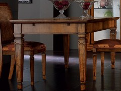 - Extending square wooden table CA' VENIER | Square table - Cantiero