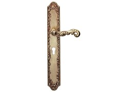 Art Nouveau brass door handle on back plate POESIA | Door handle on back plate - LINEA CALI'