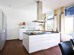 - Lacquered fitted kitchen with island B3 | Lacquered kitchen - Bulthaup