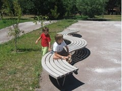 - Curved wooden Bench SINU 90° - Factory Street Furniture