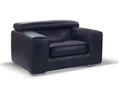 - Upholstered leather armchair with armrests HAMILTON | Armchair - Formenti