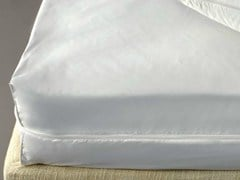 - Polyester mattress cover SANISILK | Mattress cover - Demaflex