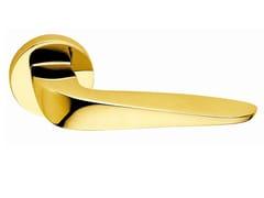 - Brass door handle on rose polished brass ARIA ROUND | Door handle - Frascio