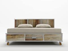 - Wooden queen size bed on casters ROADIE | Queen size bed - KARPENTER