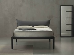 - Double bed with upholstered headboard MOHELI ALTO - Orizzonti Italia