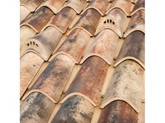 - Clay bent roof tile COPPO 45 ANTICATO A BASE CHIARA - Gruppo Industriale Tegolaia