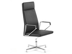 - Executive chair with armrests .PILOT P2001 - Spiegels