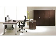 - L-shaped wood veneer executive desk ELECTA | Wood veneer office desk - IFT