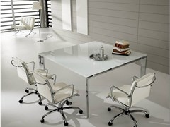 - Square lacquered glass meeting table PRATIKO   Glass meeting table - IFT