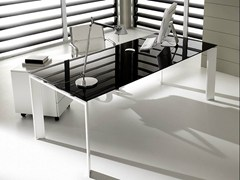 - Rectangular lacquered glass executive desk PRATIKO | Glass office desk - IFT