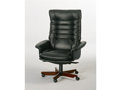 - Executive chair with 5-spoke base with casters 7869W | Executive chair - Dyrlund