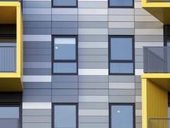 30 Painéis de fachada em materiais compósitos