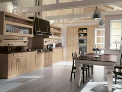 - Classic style lacquered kitchen IL CANTO DEL FUOCO   Lacquered kitchen - Martini Mobili