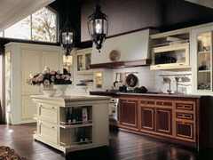 - Lacquered cherry wood kitchen with island IL CANTO DEL FUOCO | Cherry wood kitchen - Martini Mobili