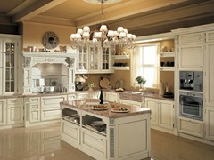 - Lacquered fitted kitchen with island TOSCA | Lacquered kitchen - Martini Mobili