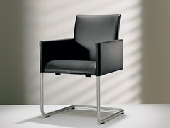 - Cantilever upholstered leather chair with armrests D2-3 | Upholstered chair - Hülsta-Werke Hüls