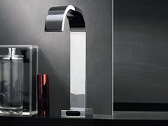 - Chrome-plated electronic washbasin tap AGUABLU | Electronic washbasin tap - ZUCCHETTI