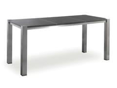 mange debout carr e en acier collection como by manutti. Black Bedroom Furniture Sets. Home Design Ideas