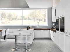 - Lacquered wooden fitted kitchen ADELE PROJECT | Lacquered kitchen - Cucine Lube