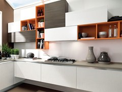 - Lacquered wooden fitted kitchen ESSENZA | Fitted kitchen - Cucine Lube