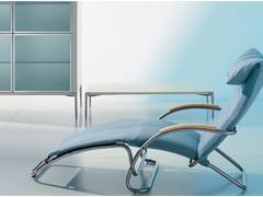 Chaise longue/poltrona con braccioli in faggio