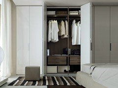 - Lacquered wardrobe with folding doors NEW ENTRY | Wardrobe with folding doors - Poliform
