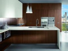 Cucina laccata in noce con maniglie