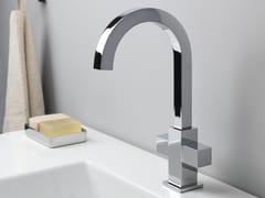 Rubinetto per lavabo a 3 fori a muro quadri by cristina rubinetterie - Prezzi rubinetteria bagno cristina ...