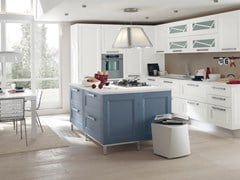 - Solid wood fitted kitchen with island GEORGIA | Kitchen with island - Cucine Lube