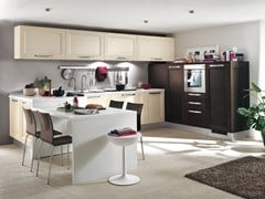 - Solid wood fitted kitchen with handles GEORGIA | Fitted kitchen - Cucine Lube