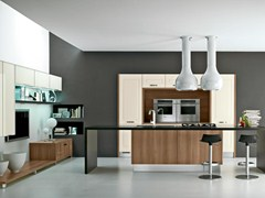 Fitted kitchen with handles LEDA | Kitchen with handles - Cucine Lube
