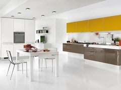 Fitted kitchen with handles MAURA | Kitchen - Cucine Lube