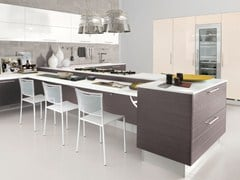Wood veneer fitted kitchen with handles MAURA | Kitchen - Cucine Lube