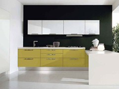 - Cocina integral lacada de madera con tiradores NILDE | Cocina de madera - Cucine Lube