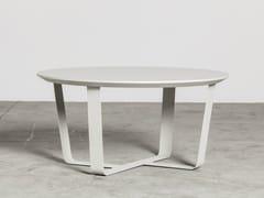 Tavolino basso in acciaio verniciato a polvere