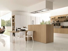 - Wooden fitted kitchen KUBIC 3 - Euromobil