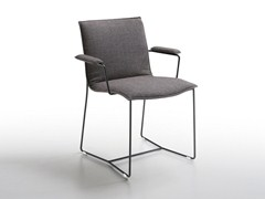 - Sled base upholstered chair with armrests PIURO | Chair with armrests - Jori