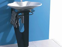 - Ceramic washbasin with towel rail LAMA | Washbasin - LA BOTTEGA DI MASTRO FIORE