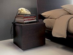 - Square wooden bedside table QUARANTACINQUE | Bedside table - Fimar