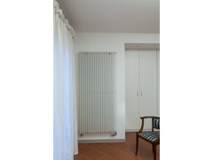 - Hot-water vertical decorative radiator SPACE | Vertical decorative radiator - DELTACALOR