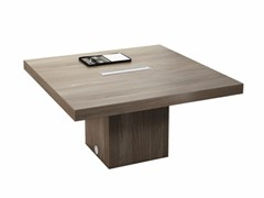 - Square meeting table with cable management T45 | Square meeting table - Quadrifoglio Sistemi d'Arredo