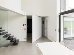 Porta a bilico in HPL con asse centraleSVD - ANYWAY DOORS