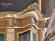 Carves and inlays detail of luxury display cabinet - Bella Vita Collection - Modenese Gastone