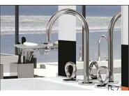 Miscelatore per lavabo a 3 fori in acciaio in stile moderno con aeratore con finitura lucida COLLECTION O | Miscelatore per lavabo - INTERCONTACT