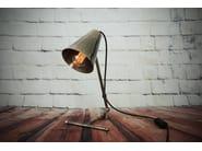 Lampada da tavolo a luce diretta e indiretta fatta a mano a LED in ottone in stile moderno COMORO TABLE LAMP | Lampada da tavolo - Mullan Lighting