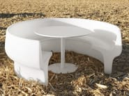 Table for public areas with benches CUP - Derlot Editions