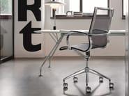 Medium back executive chair with 5-spoke base with armrests EM202 MESH | Medium back executive chair - Emmegi