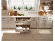 Provencal style solid wood kitchen ENGLISH MOOD | Provencal style kitchen - Minacciolo