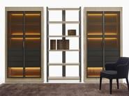 Vetrina in legno con illuminazione integrata ERACLE | Vetrina con illuminazione integrata - Maxalto, a brand of B&B Italia Spa