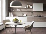 Fitted kitchen FORMA MENTIS - GLASS / MELAMINE DOOR - VALCUCINE